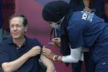 Президент Ізраїлю втретє вакцинувався від коронавірусу