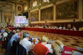 Антиолігархічний закон розгляне Венеціанська комісія