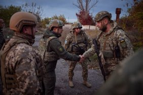 Президент посетил передовые позиции украинских военных на Донбассе