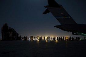 В Украину вернулся самолет с эвакуированными из Кабула